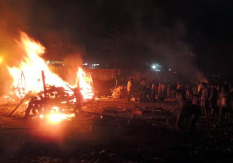 Last rites of victims of liquor tragedy at Salmira tea garden