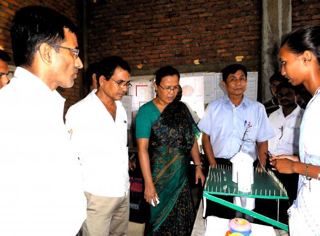 Sadhana Hojai,DC and NC Boro,IS,Udalguri visiting science models