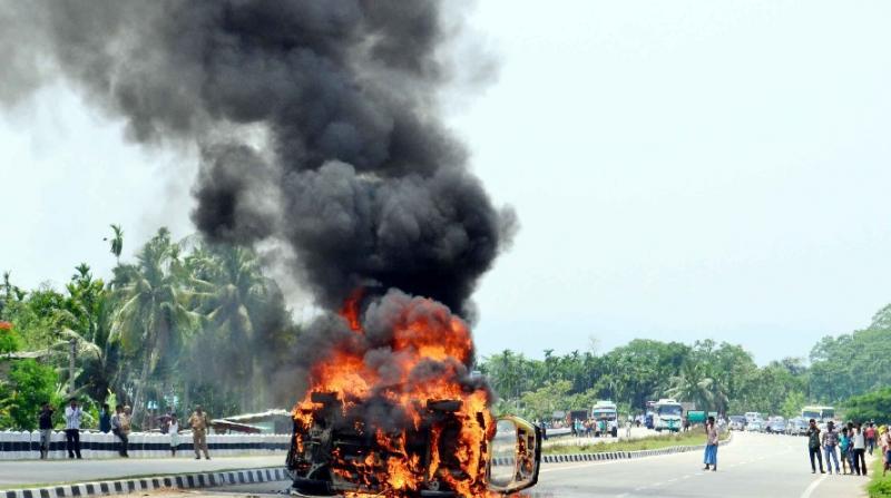 Mishap claims 3 at Raha, mob set ablaze vehicle