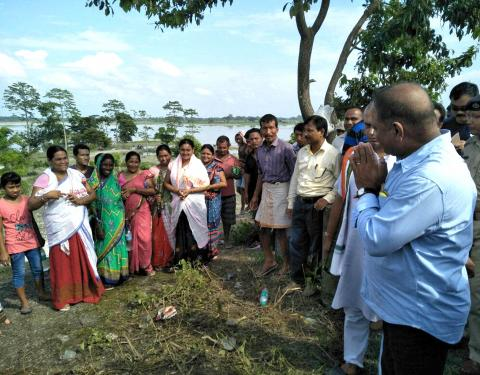 PWD minister Parimal Suklabaidya visiting  flood affected people in Dibrugarh on Tuesday. Photo by UB Photos.