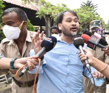 KMSS leader Akhil Gogoi, who is currently at Guwahati jail, talking to media while brought to GMCH , Guwahati for routine health checkup on 07-09-20. Photo by UB Photos