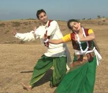 """Nibedita and Debasis in the song """"Ami Poth Bhola Ek Pathik Esechhi"""""""