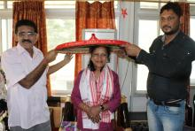 Patricia Mukhim being felicitated by Golaghat Press Club.